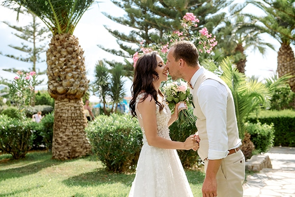 lovely-rustic-winery-wedding-crete_12