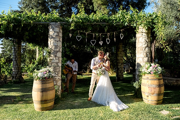 lovely-rustic-winery-wedding-crete_20