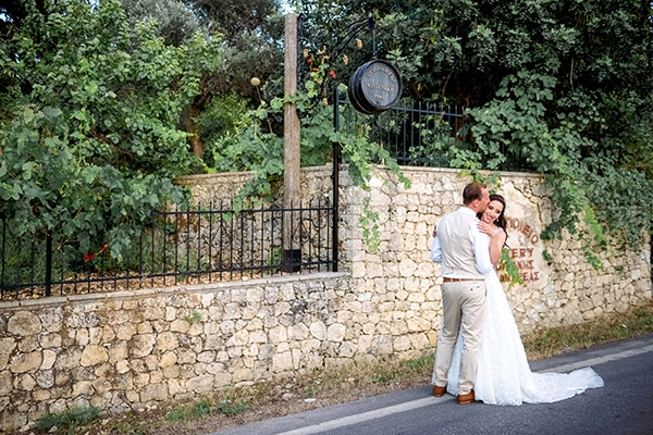 lovely-rustic-winery-wedding-crete_22