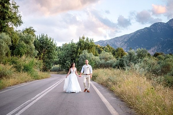 lovely-rustic-winery-wedding-crete_25