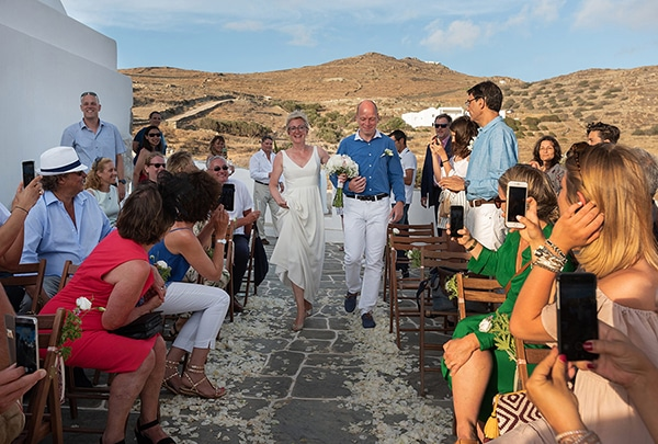 romantic-destination-wedding-folegandros_09