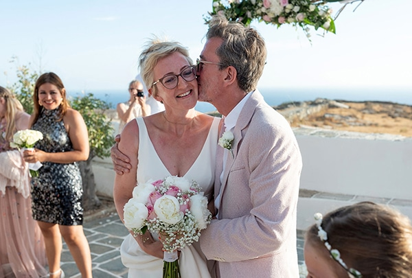 romantic-destination-wedding-folegandros_10