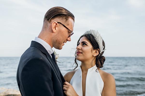 beautiful-beach-wedding-white-green-hues_00