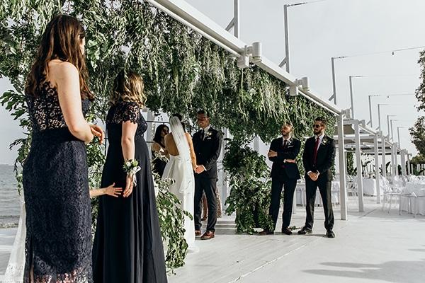 beautiful-beach-wedding-white-green-hues_28