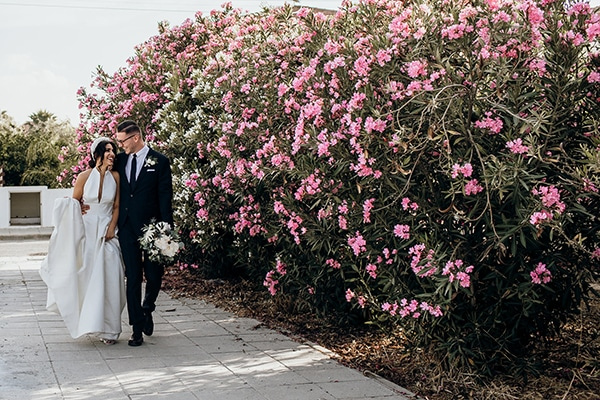 beautiful-beach-wedding-white-green-hues_42