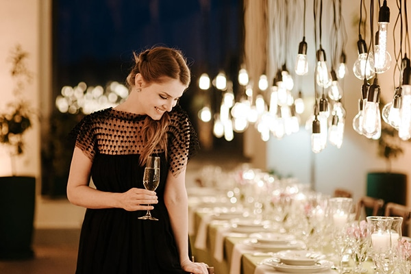 romantic-moody-styled-shoot-luxurious-villa_14