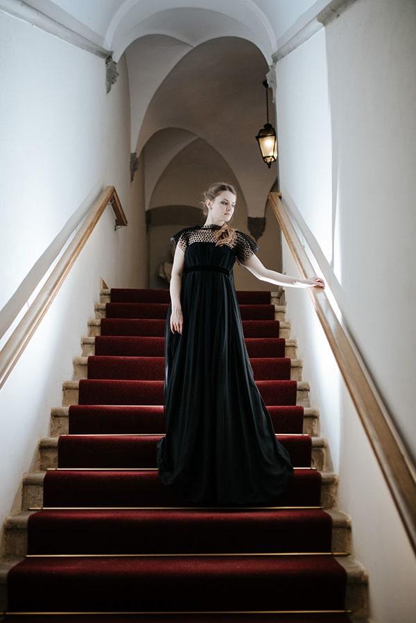 romantic-moody-styled-shoot-luxurious-villa_19