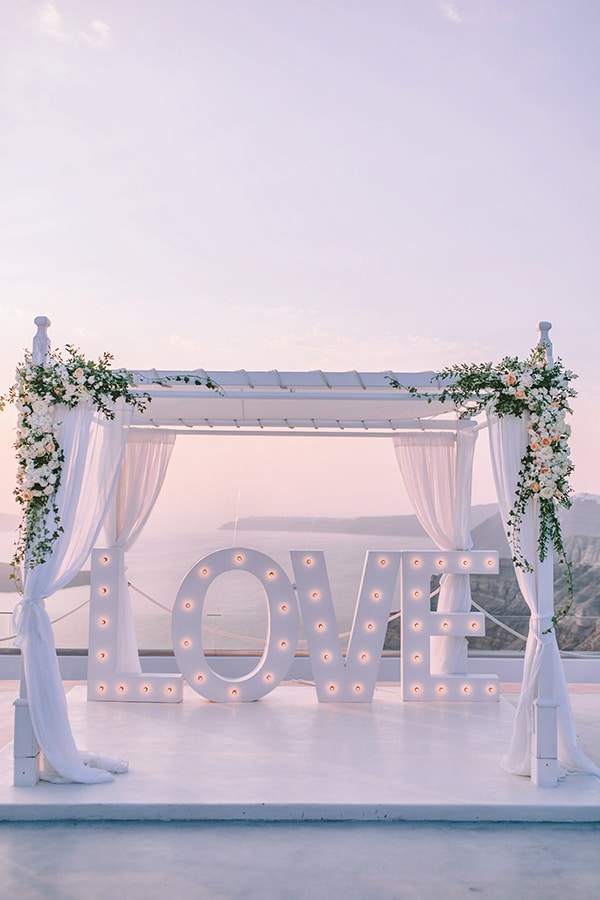 chic-intimate-wedding-santorini_31