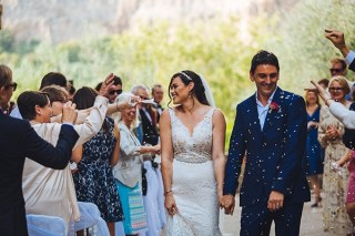 a198793c61dd Gorgeous wedding with burgundy hues in Italy