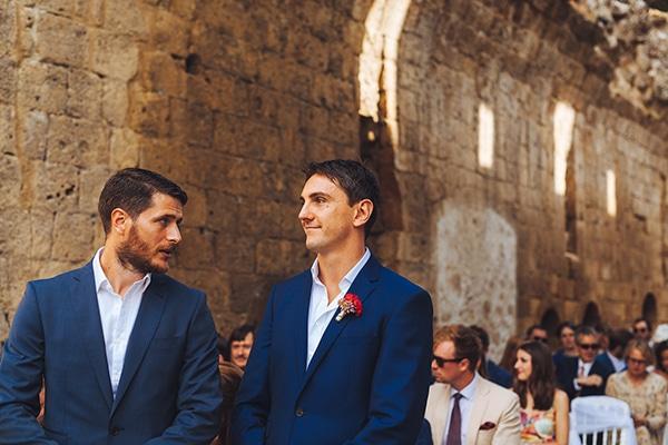 gorgeous-wedding-burgundy-hues-italy_09