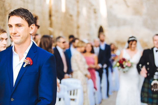 gorgeous-wedding-burgundy-hues-italy_11