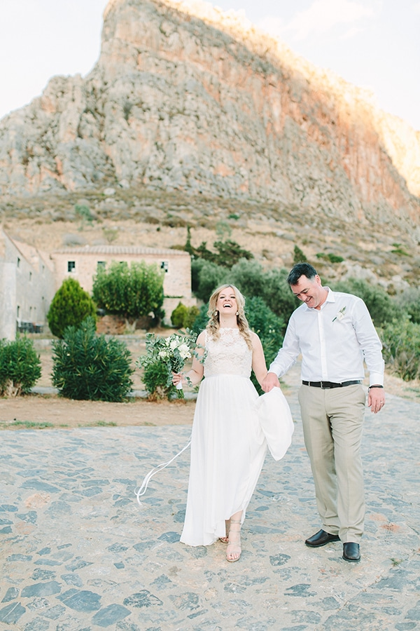 romantic-summer-wedding-monemvasia_40