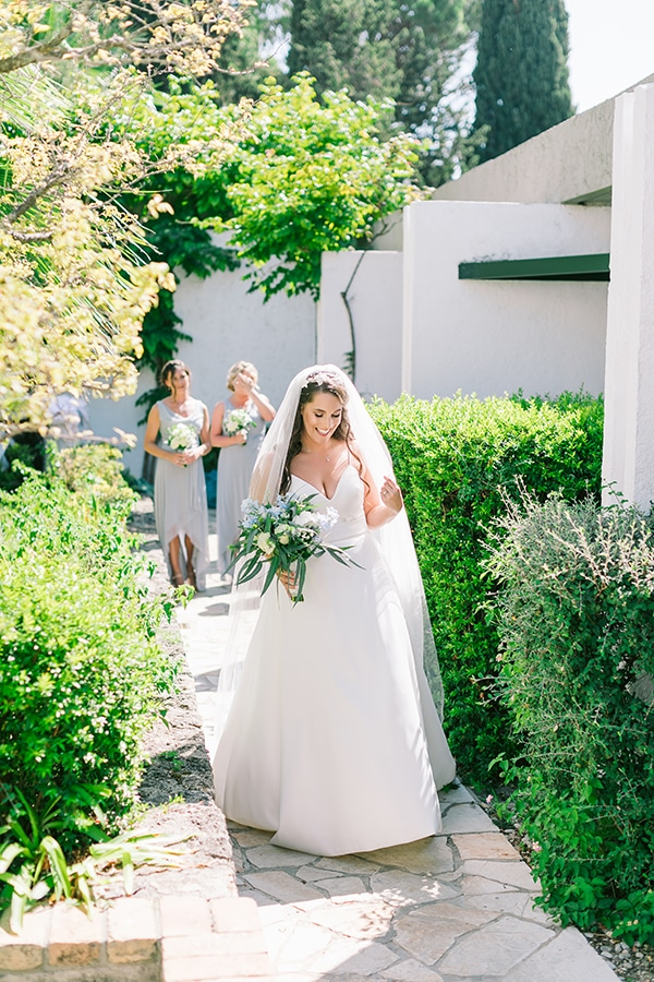 romantic-wedding-corfu-green-white-hues_08x