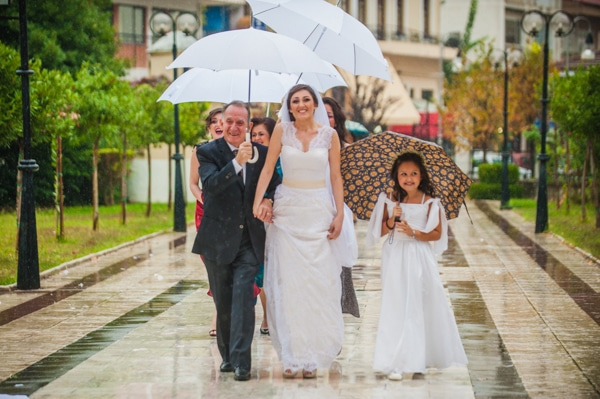 what-do-if-rains-your-wedding-day_02