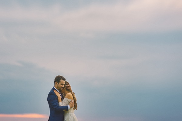 beautiful-summer-wedding-romantic-rustic-elements_25x