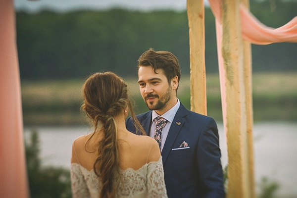 beautiful-summer-wedding-romantic-rustic-elements_26