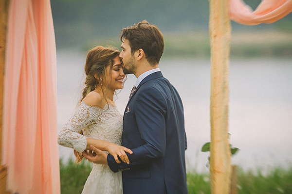 beautiful-summer-wedding-romantic-rustic-elements_27