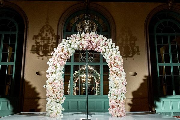 classy-romantic-wedding-soft-hues_19