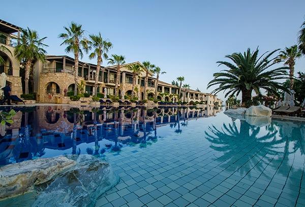 unforgettable-honeymoon-luxurious-resort_04
