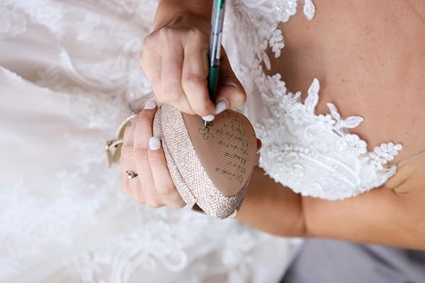 vintage-wedding-purple-white-green-hues_05y
