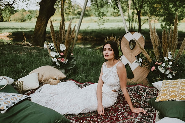 bohemian-chic-styled-shoot-rustic-wild-elements_01x