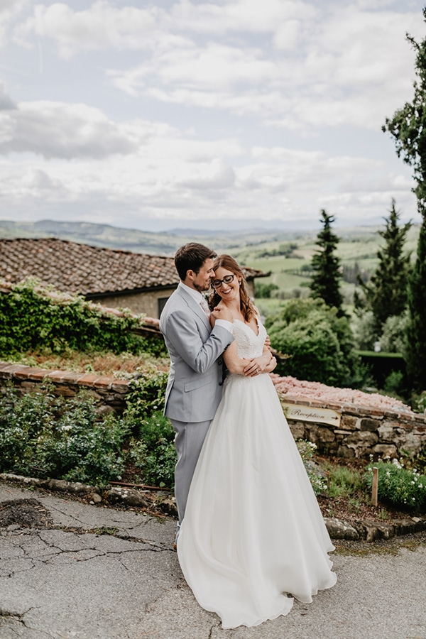 romantic-summer-wedding-tuscany-rustic-details_04x