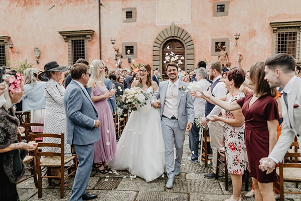 romantic-summer-wedding-tuscany-rustic-details_28