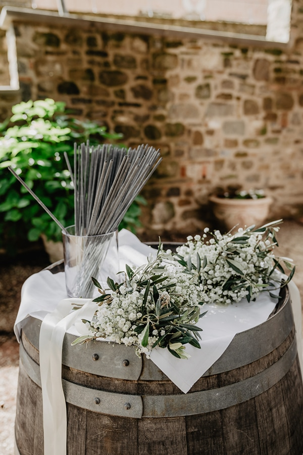 romantic-summer-wedding-tuscany-rustic-details_35