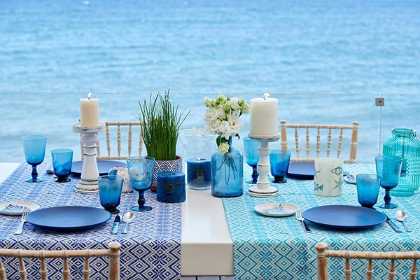 Bright blue tableware with matte finish