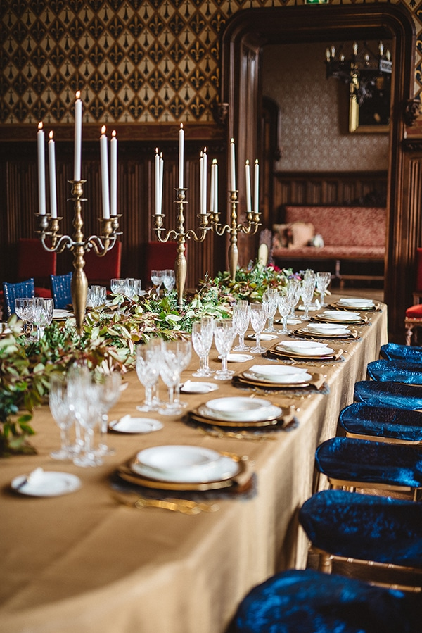 gorgeous-styled-shoot-navy-hues-gold-luxury-details_17