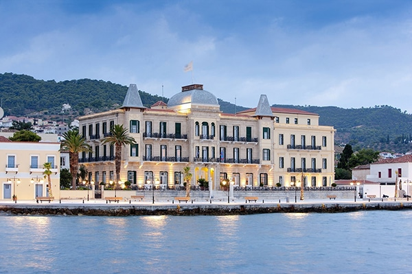 Enjoy relaxing unforgettable honeymoon moments in Spetses