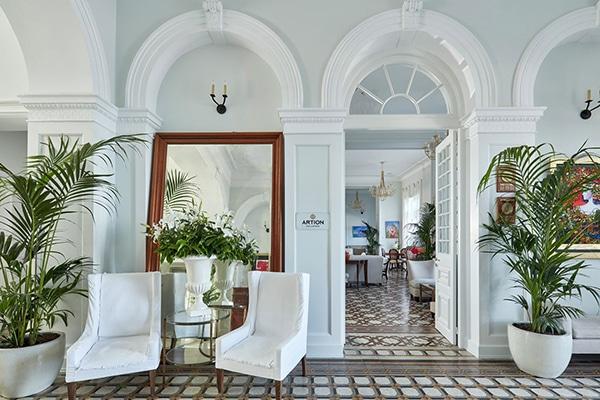 relaxing-unforgettable-honeymoon-moments-poseidonion-grand-hotel_03