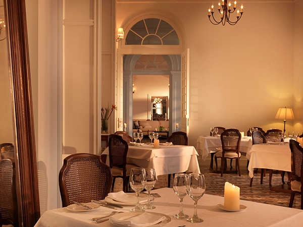 relaxing-unforgettable-honeymoon-moments-poseidonion-grand-hotel_06