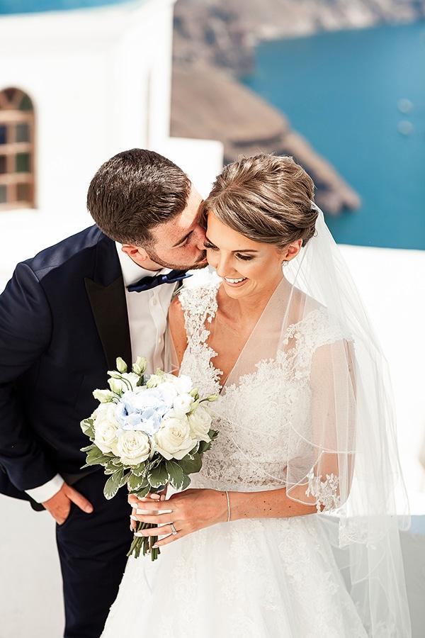 romantic-intimate-blue-white-wedding-santorini_02