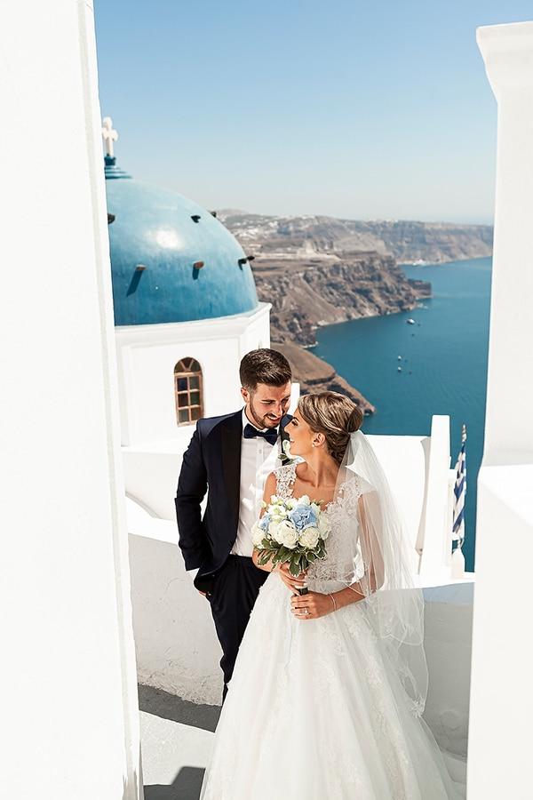 romantic-intimate-blue-white-wedding-santorini_03