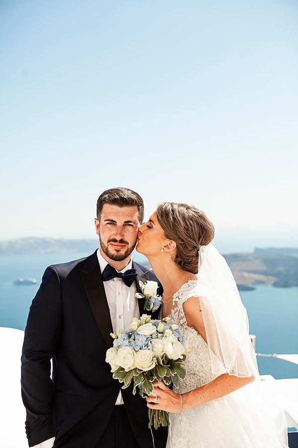 romantic-intimate-blue-white-wedding-santorini_05