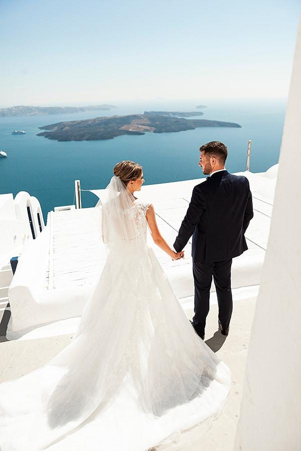romantic-intimate-blue-white-wedding-santorini_06
