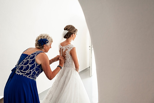 romantic-intimate-blue-white-wedding-santorini_11