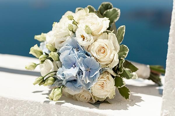 romantic-intimate-blue-white-wedding-santorini_13x
