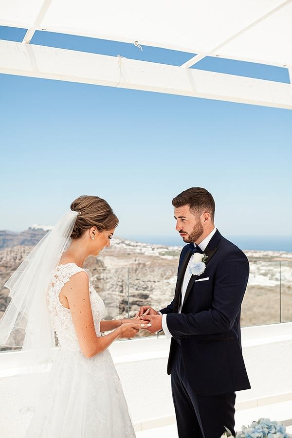 romantic-intimate-blue-white-wedding-santorini_27