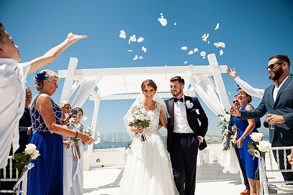 romantic-intimate-blue-white-wedding-santorini_29