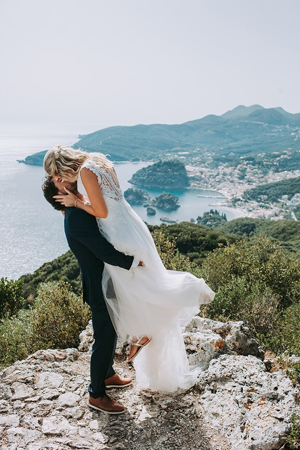 summer-beach-wedding-parga-romantic-boho-style_02x
