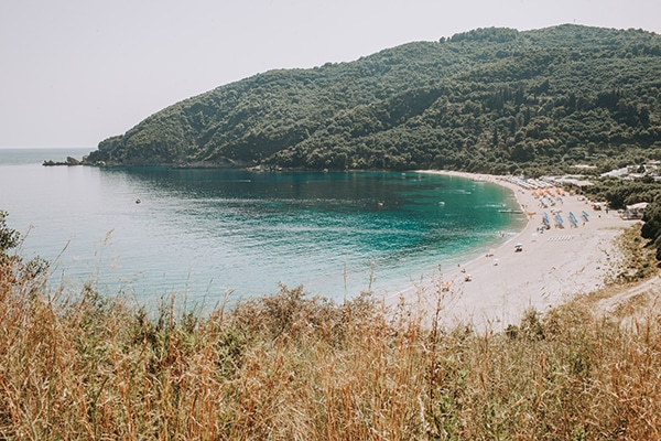 summer-beach-wedding-parga-romantic-boho-style_04x