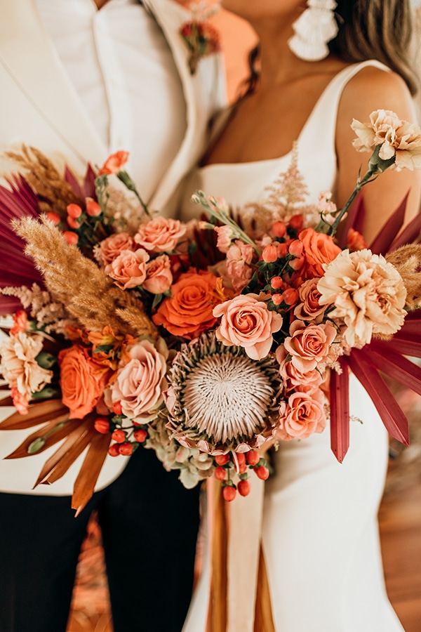 vibrant-coral-styled-shoot-with-retro-touches_02