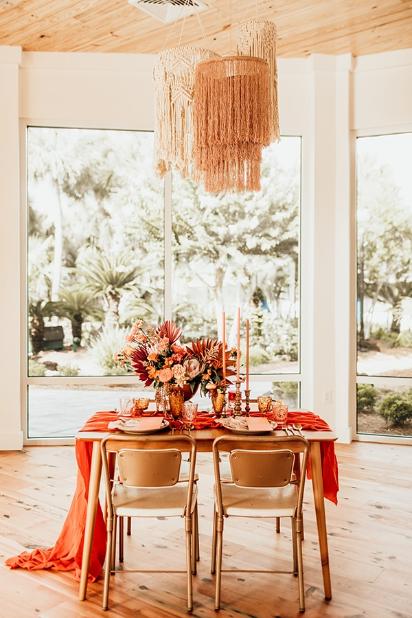vibrant-coral-styled-shoot-with-retro-touches_14