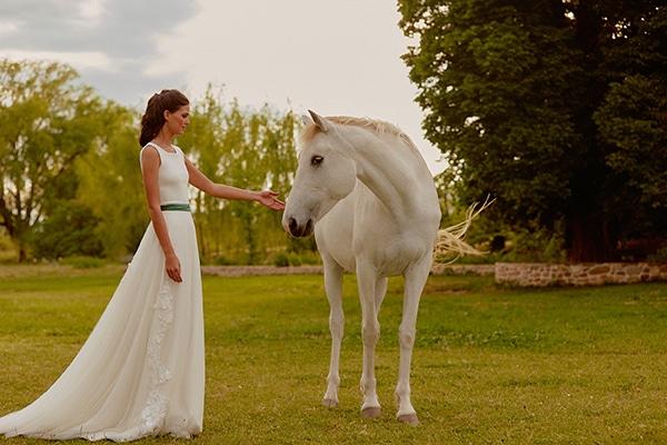 feminine-beautiful-wedding-dresses-chic-bridal-look_20