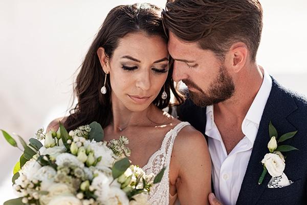 romantic-wedding-santorini-white-fresh-flowers-greenery_01