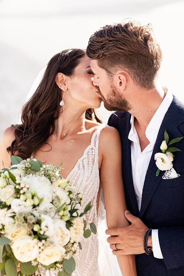 romantic-wedding-santorini-white-fresh-flowers-greenery_03