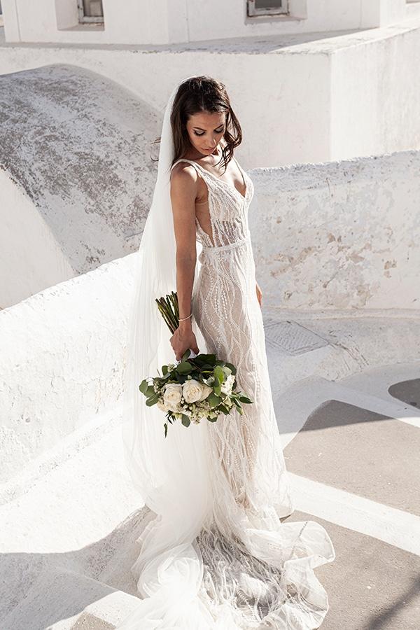romantic-wedding-santorini-white-fresh-flowers-greenery_04