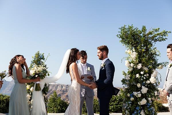 romantic-wedding-santorini-white-fresh-flowers-greenery_23